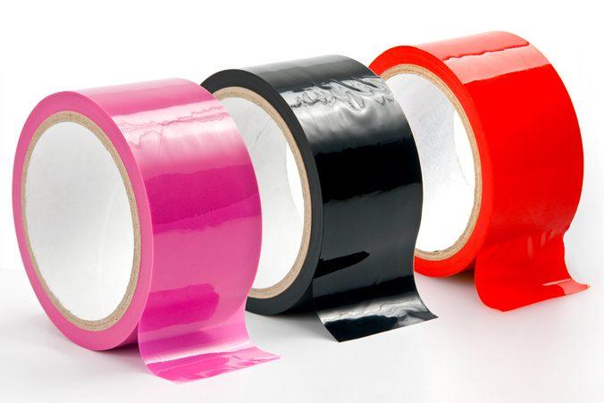 Bondage-Tape in Pink, Schwarz und Rot